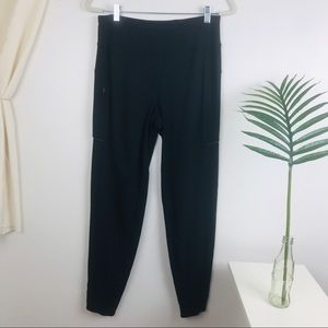 Lululemon Run On Black Jogger Pants Size 6